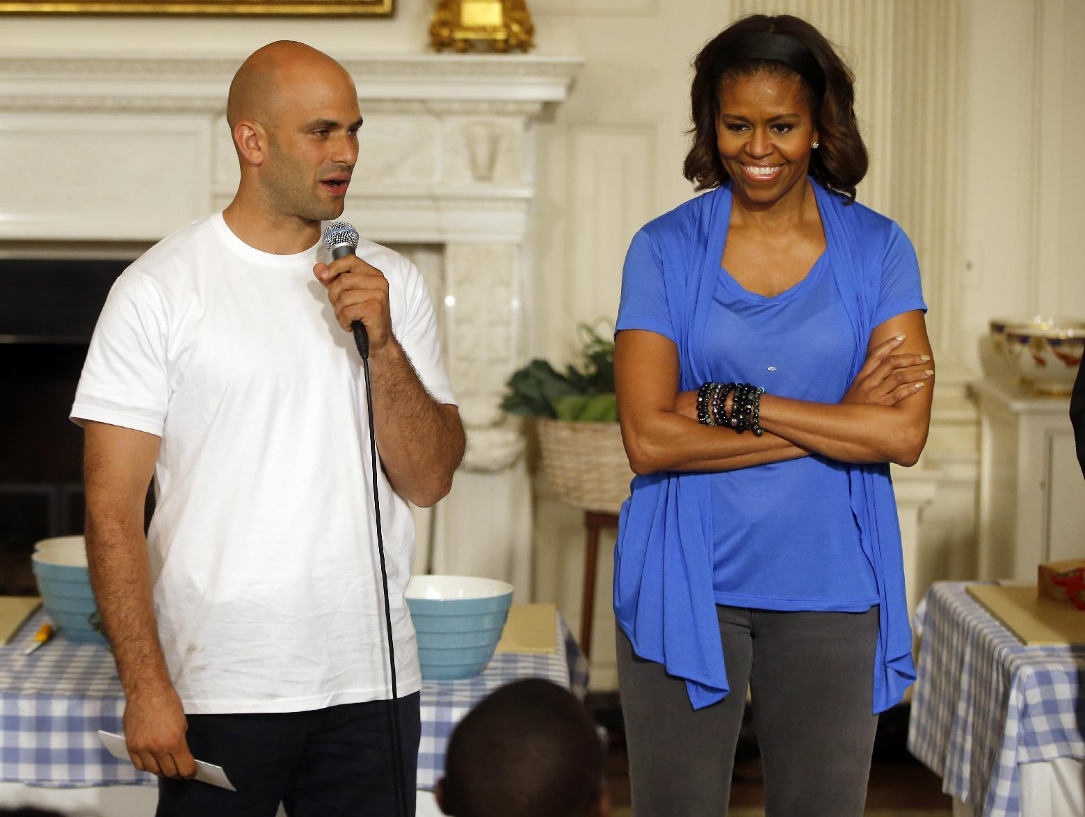 Obama personal chef to hang up apron after 6 years