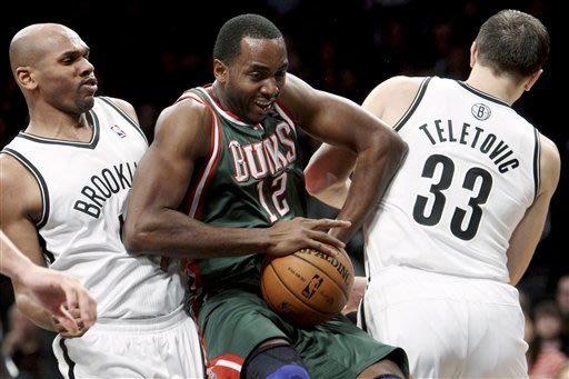 Jennings, Ellis lead Bucks in 97-88 win over Nets