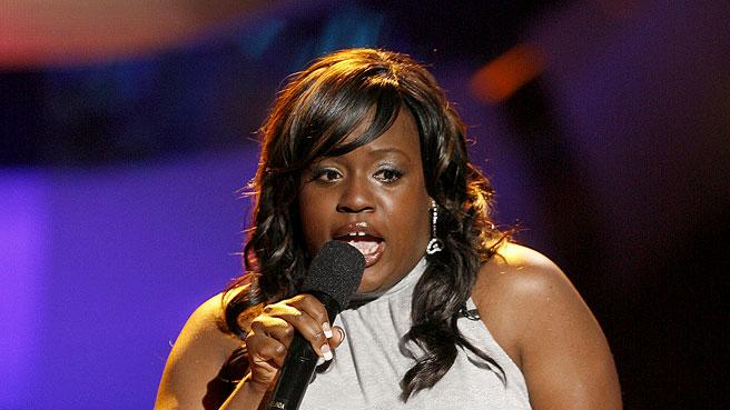 LaKisha Jones sings her farewell song on the 6th season of American Idol.