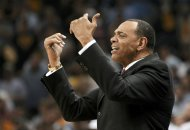 Memphis Grizzlies head coach Lionel Hollins directs his team against the San Antonio Spurs during the fourth quarter in Game 3 of their NBA Western Conference final playoff basketball series in Memphis, Tennessee May 25, 2013.  REUTERS/Mike Stone (UNITED STATES  - Tags: SPORT BASKETBALL)