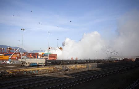 Vancouver container fire shuts down port, some rail service