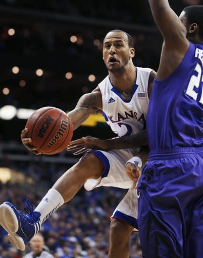 No. 7 Kansas beats No. 11 K-State for Big 12 title