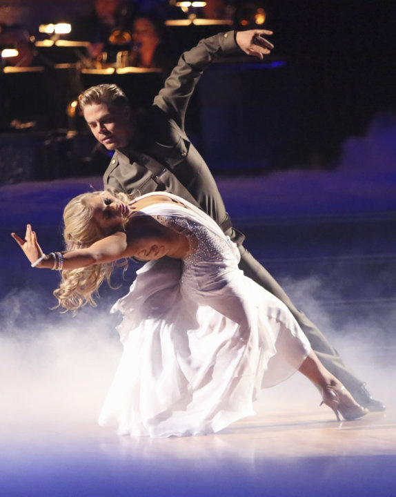 Shawn Johnson and Derek Hough (11/12/12)