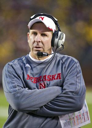 Huskers' Pelini receives 1-year contract extension