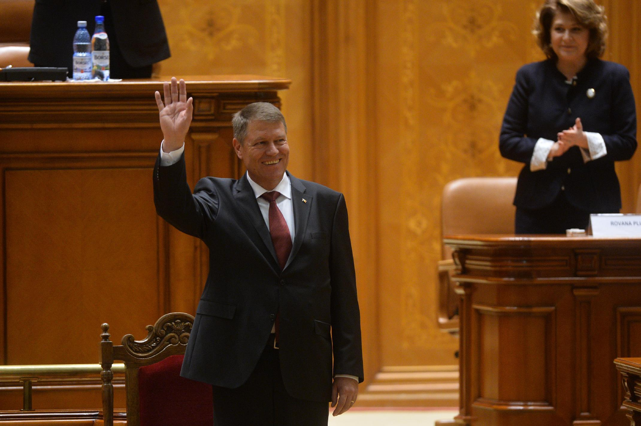 Romania's new president urges all out war on corruption