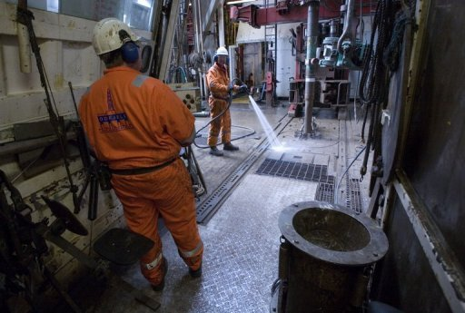 <p>Workers prepare to drill oil on the Sleipner platform, some 250 km off Norway's coast in the North Sea. Norway's government Friday called talks between employers and striking unions after the energy industry ordered a lockout next week that threatens to halt output in Western Europe's top oil exporter.</p>