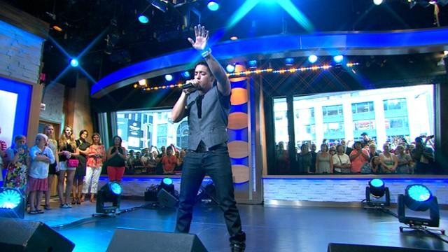 Stefano Performs 'I'm On a Roll' on 'GMA'