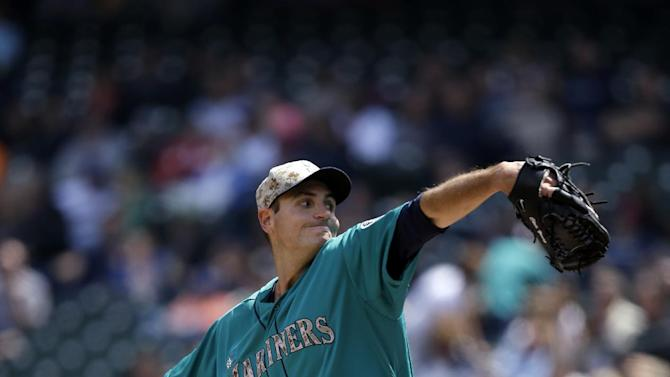 Young, Cano lead Seattle past Angels 5-1