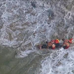 Los Angeles lifeguards rescued nearly 10K people in 2014