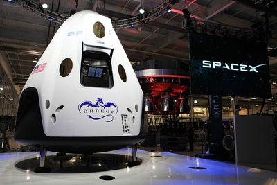 Watch live: SpaceX's Dragon V2 capsule has its first major test