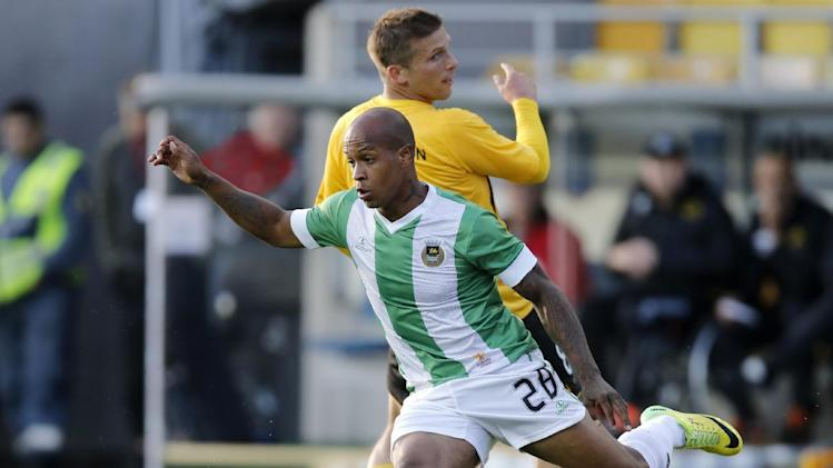 Elfsborgs Anders Svensson, behind, with Rio Aves player Rodriguez Yonathan Alexander Del Valle, front, during the 2014 UEFA Europa League Playoff soccer match between Elfsborg and Portugal's Rio Ave at the Boras Arena in Boras, Sweden, Thursday Aug. 21, 2014. (AP Photo / Adam Ihse, TT) SWEDEN OUT