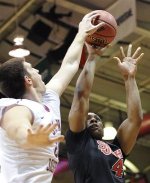 Pointer lifts St. John's over Saint Joseph's