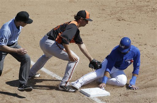 Arrieta pitches into 5th inning in 3-1 Orioles win