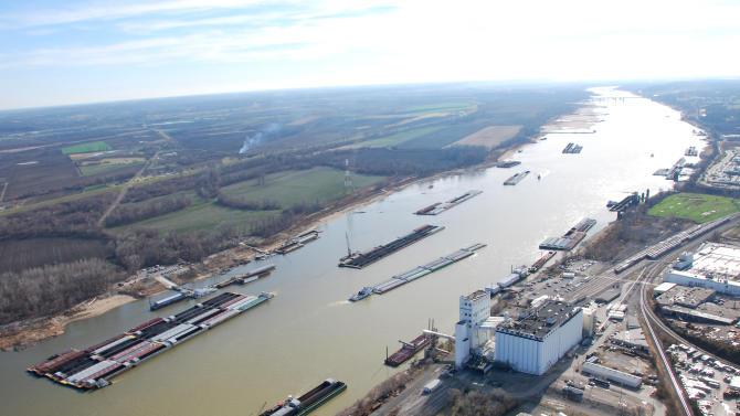 APNewsBreak: Corps not budging on Miss. River flap