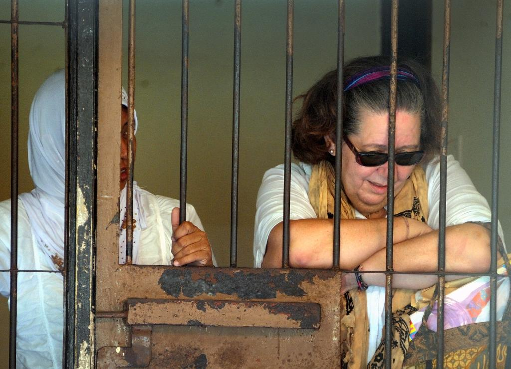 British grandmother prepares for execution in Indonesia