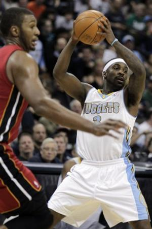 Nuggets hand Heat third straight loss, 117-104