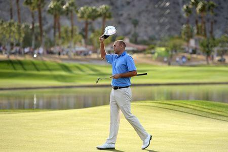 Bill Haas survives final-hole scare, wins Humana Challenge