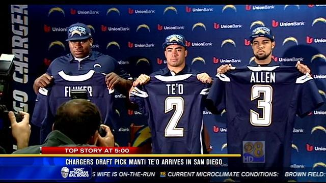 Chargers draft pick Manti Te'o arrives in San Diego