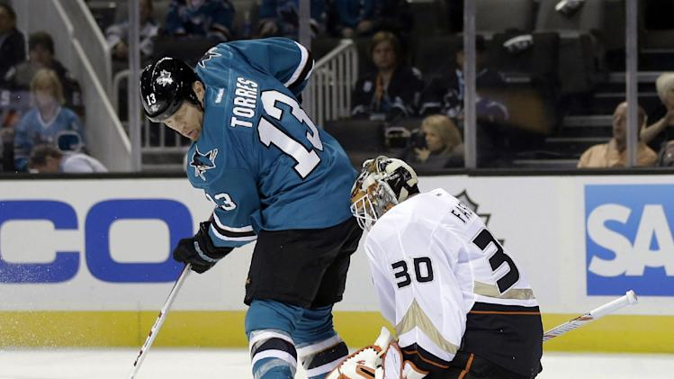 Lovejoy's OT goal lifts Ducks over Sharks 3-2