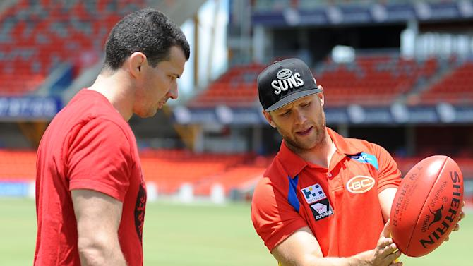 UFC Fighters Meet with Gold Coast Suns