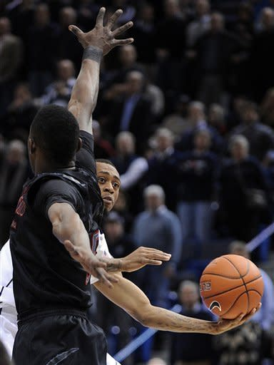 Napier leads UConn over Cincinnati in OT, 73-66