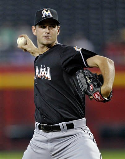 Miley, Skaggs pitch D-backs to sweep of Marlins