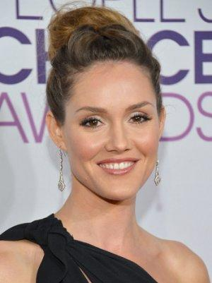 Erinn Hayes Replaces Chyler Leigh in NBC's Plane Crash Comedy