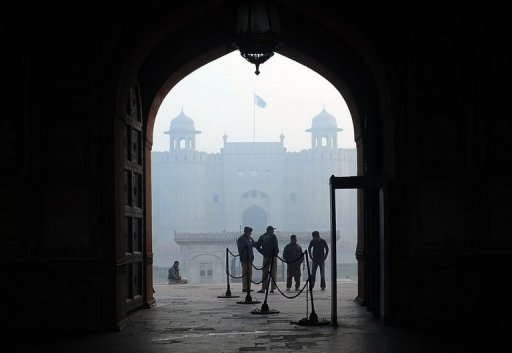<p>File photo of Pakistani police standing near Lahore Fort in Lahore. Gunmen on Thursday shot dead eight Pakistani police and prison staff, and wounded nine others after storming a building in the eastern city of Lahore where they were sleeping, police said.</p>