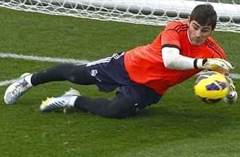 Mourinho faces selection dilemma as Casillas makes Madrid squad for Levante match