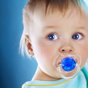 Do pacifiers harm boys?
