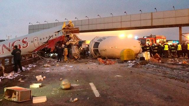 4 Dead in Crash Landing at Moscow Airport