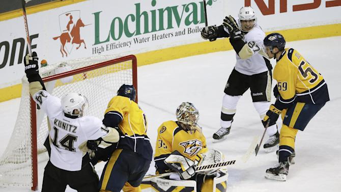 Niskanen has 2 goals, Penguins beat Predators 3-1