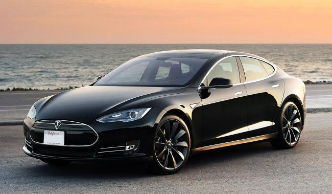 A Hacker Figured Out How to Control His Tesla Model S With His Watch