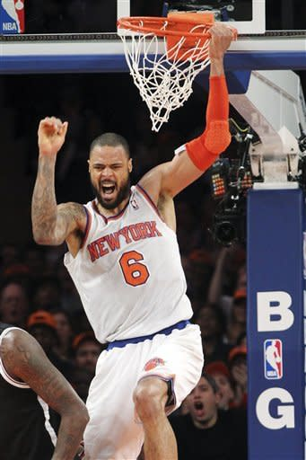 Melo returns, scores 31 as Knicks rout Nets 100-86