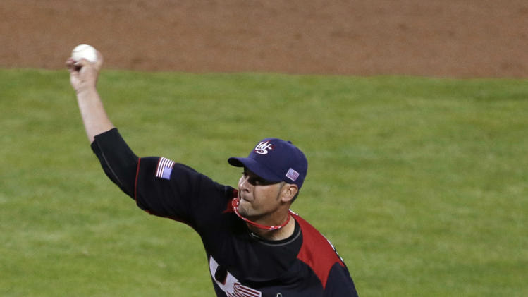 United States pitcher Ryan Vogelsong throws during the second inning of a World Baseball Classic game against Italy on Saturday, March 9, 2013, in Phoenix. (AP Photo/Charlie Riedel)