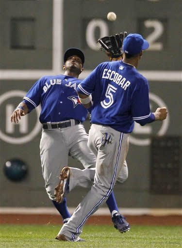 Encarnacion homers as Blue Jays top Red Sox 7-5