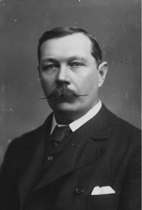 circa 1900: British writer Sir Arthur Conan Doyle (1859 - 1930), creator of fictional detective Sherlock Holmes. The Holmes stories were serialised in 'The Strand' magazine and proved so popul