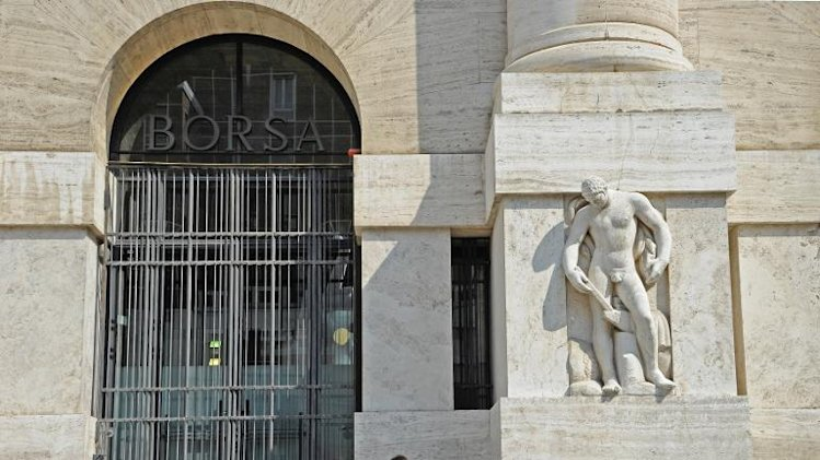 File photo shows the stock exchange palace in Milan, northern Italy on August 5, 2011
