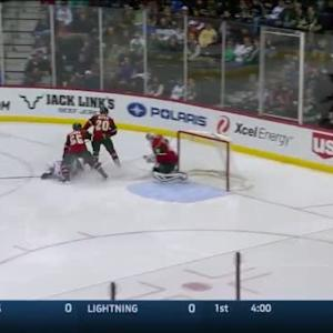 Devan Dubnyk Save on Bobby Ryan (01:44/1st)