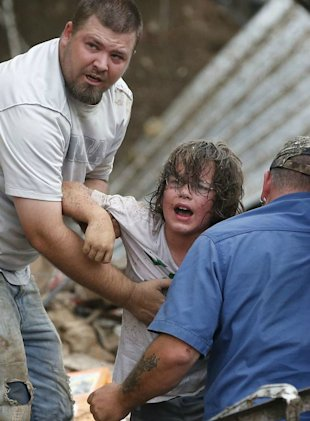 Horrible Tornado rips through Oklahoma causing deaths and
