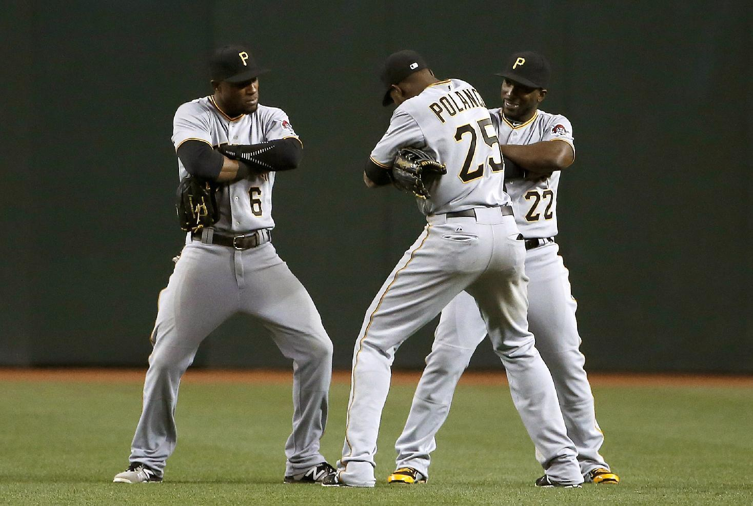 Marte's single in 9th lifts Pirates over Diamondbacks 2-1