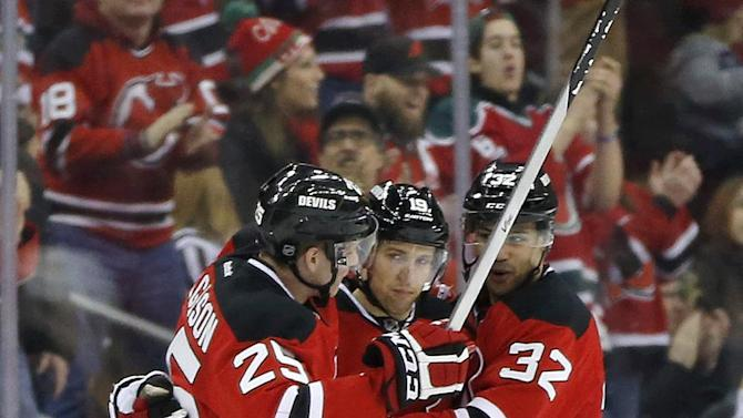 Devils' Elias has 3 points to reach 1,000 career in win