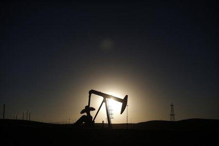 Oil prices claw higher, but weekly loss looms on supply excess