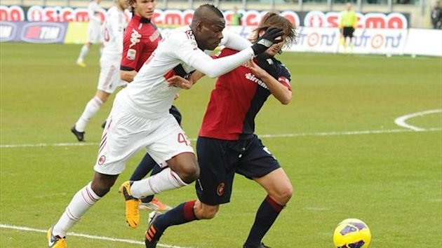 Balotelli, del Milan, en el partido frente al Cagliari