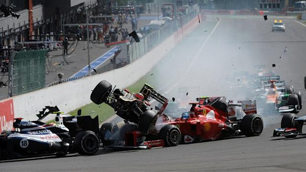 Hamilton, Alonso, Perez and Grosjean go out of the Belgian Grand Prix