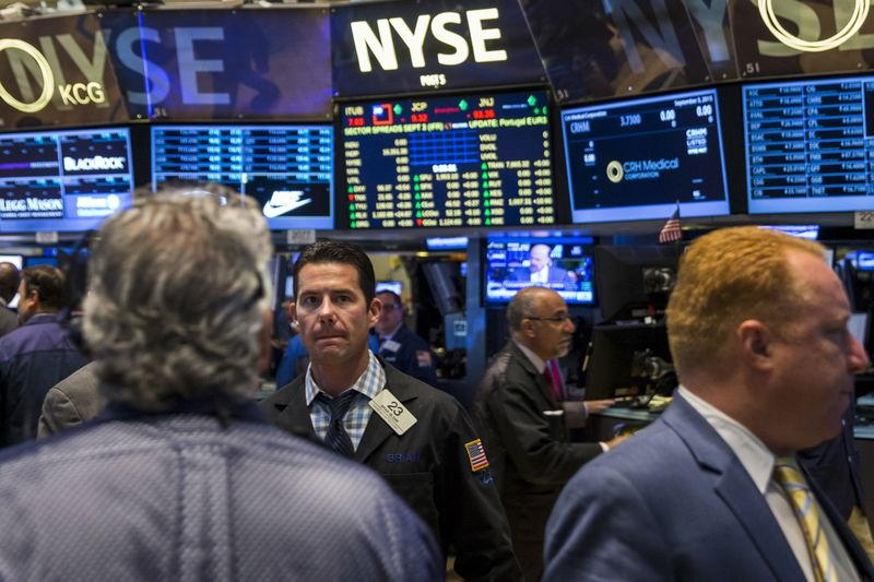 Wall Street drops as jobs data leaves Fed-watchers hanging