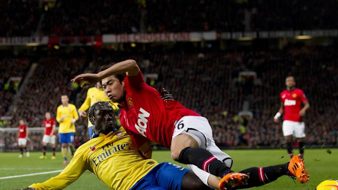 United beats Arsenal to roar back into title race