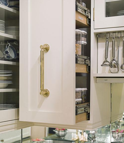 Avoid Searching for Ingredients With a Pull-Out Pantry