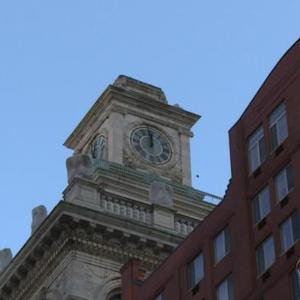 New Yorkers want to save clock from march of time