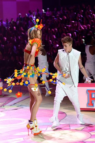 Justin Bieber: 'Couldn't Stop Staring' At Victoria's Secret Models